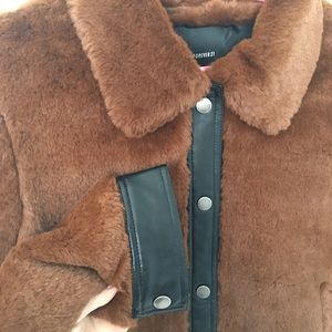 Forever 21 Jackets & Coats - Forever 21 faux fur and faux leather jacket